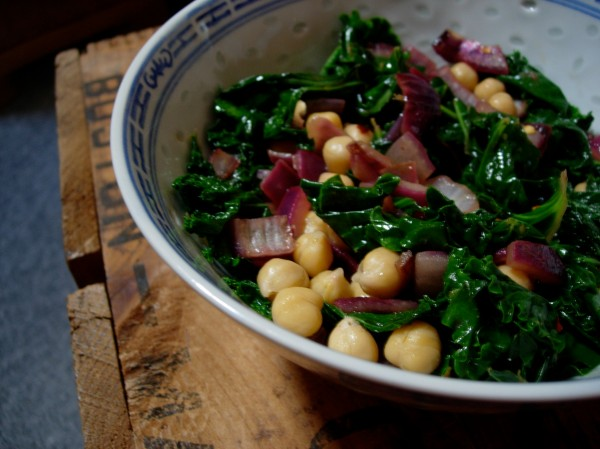kale with chickpeas, red onion, and lemon